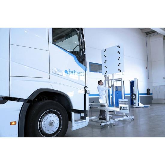 Sunkvežimių vairuotojo pagalbos sistemų kalibravimo įranga Jaltest ADAS